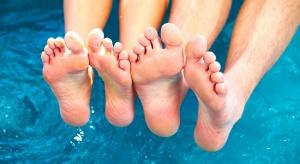Piękne stopy – domowe kosmetyki zrobisz w łazience