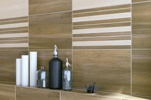 Płytki jak drewno – nowa seria do łazienki