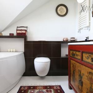 Łazienka na poddaszu – modne pomysły z polskich domów