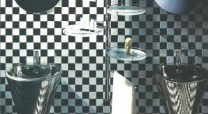 Stal, aluminium... lustro - scenografia do hedonistycznych uciech mycia zębów