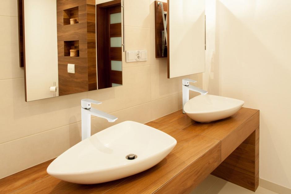 Bateria umywalkowa – nowość w kolorze biały-chrom