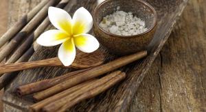 Olejek cynamonowy – aromaterapia w łazience