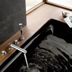 Baterie wielootworowe – nowości do umywalki i wanny