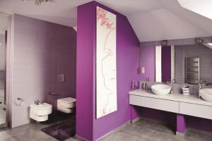 Farba matowa czy satynowa – jaką wybrać do łazienki
