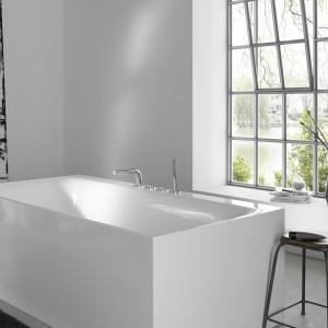 Modne baterie łazienkowe – nowość o zmysłowych kształtach