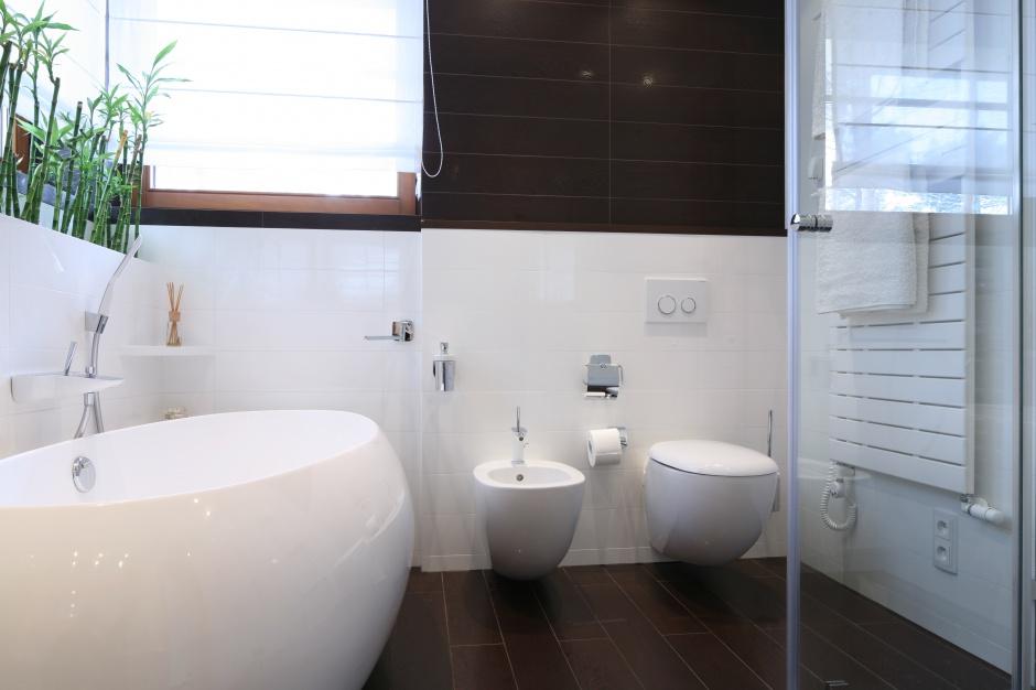Modna łazienka – wnętrza w stylu eko