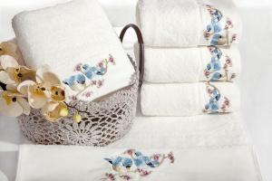 Tekstylia łazienkowe: wybierz modny ręcznik