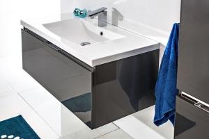 Nowoczesna łazienka: postaw na meble bez uchwytów