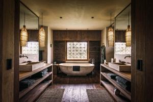 Łazienka w hotelu - 10 udanych projektów