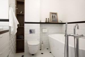 Płytki jak kafle: sposób na piękną łazienkę