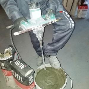 Klejenie płytek w pomieszczeniach mokrych