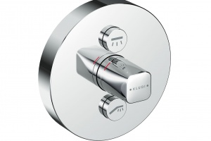 Armatura do małej łazienki: podtynkowa bateria z przyciskami