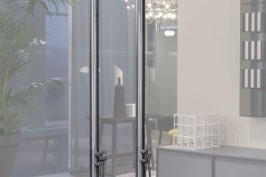 Do wnętrz i ogrodów: wolno stojąca kolumna prysznicowa
