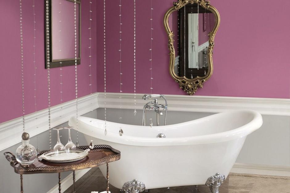 Ściana w łazience: postaw na farbę satynową