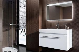 Nowoczesna łazienka: lustra z oświetleniem LED
