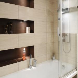 radzimy pomys na ma azienk wanna z parawanem. Black Bedroom Furniture Sets. Home Design Ideas