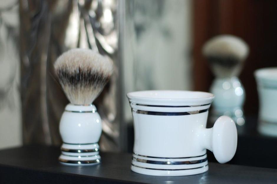 Łazienka mężczyzny: zestaw do golenia w stylu retro