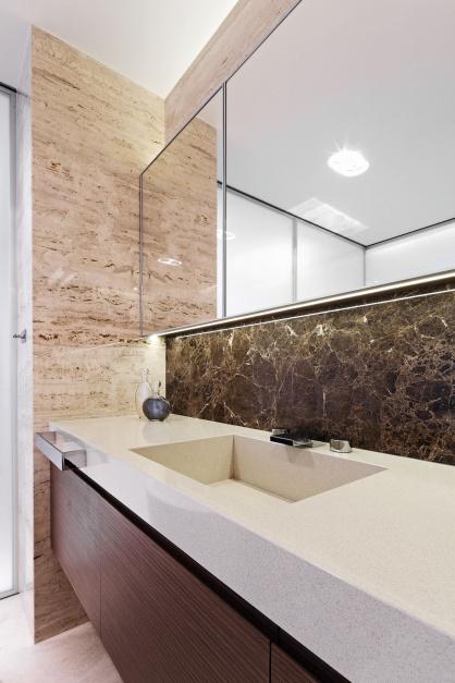 Przytulna łazienka: gotowy projekt w beżach i brązach