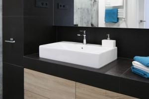Blat w łazience: 10 inspirujących pomysłów od architektów