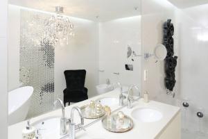 Oświetlenie w łazience: inspiracje z domów Polaków