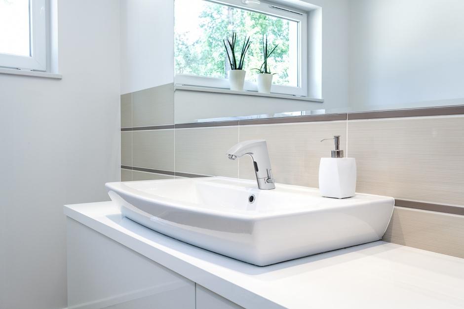 Higiena w łazience: wybierz baterię bezdotykową