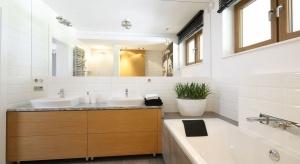 Płytki jak kafle: tak Polacy wykańczają ściany w łazience
