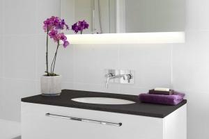 Lustro w łazience: 8 ciekawych rozwiązań