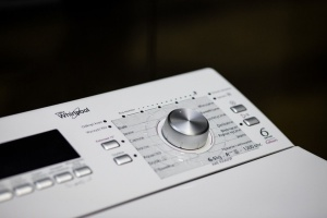 Łazienka dla osób niewidomych i słabowidzących - praktyczne nakładki na pralkę