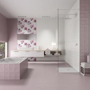 Energetyzująca łazienka: postaw na kolorowe płytki