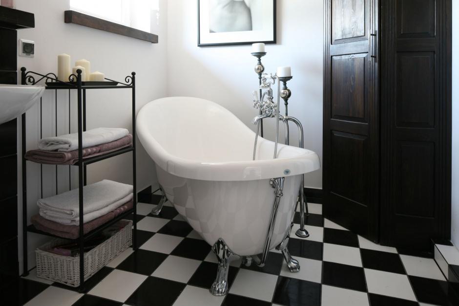 Klasyczna łazienka: wybierz wannę na zdobnych nogach