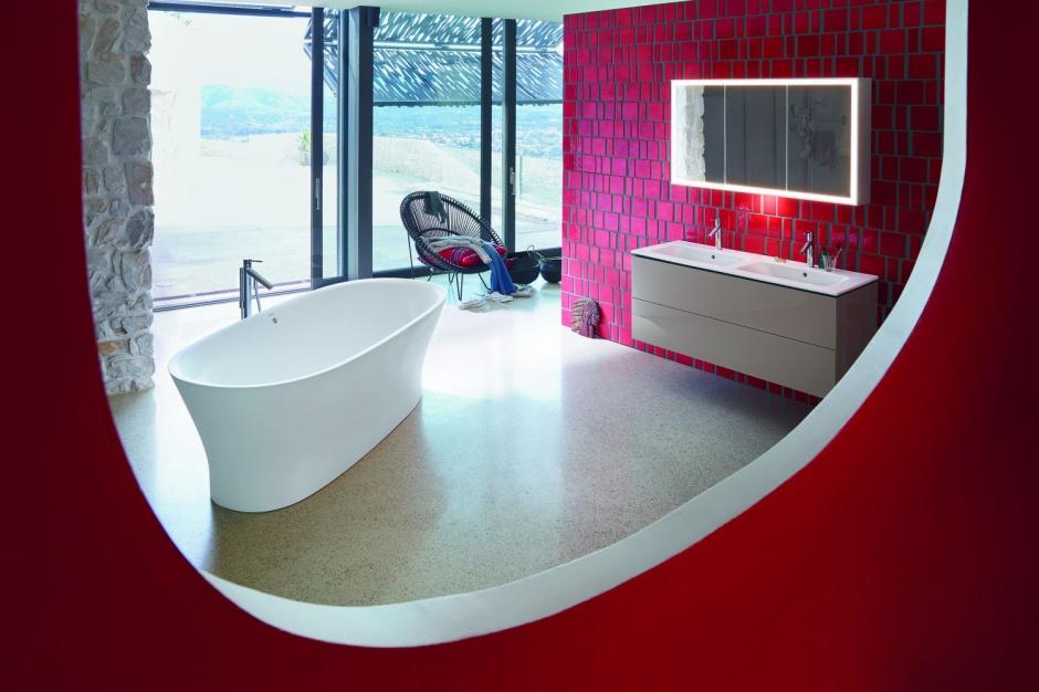 Design od kuchni: zobacz, jak powstaje wanna zaprojektowana przez Philippe Starcka