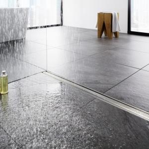 Strefa prysznica bez brodzika: nowa gama odpływów