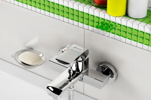 Kolorowa łazienka - wybierz elegancką armaturę i dodatki
