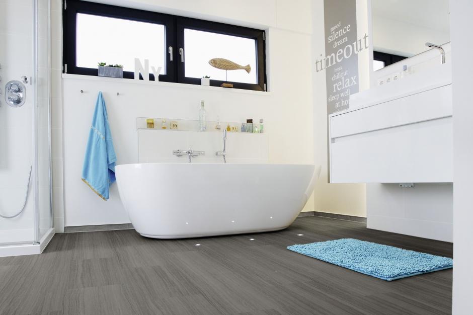 Badezimmer Holzboden Anthrazit