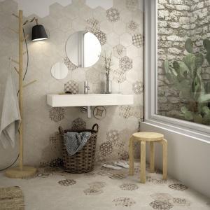Wzorzyste płytki w stylu loft: modne kolekcje
