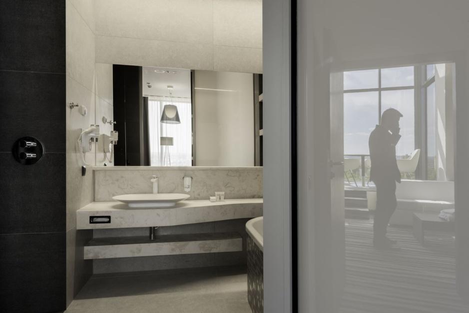 Kamień w łazience - wybierz piękny i trwały trawertyn