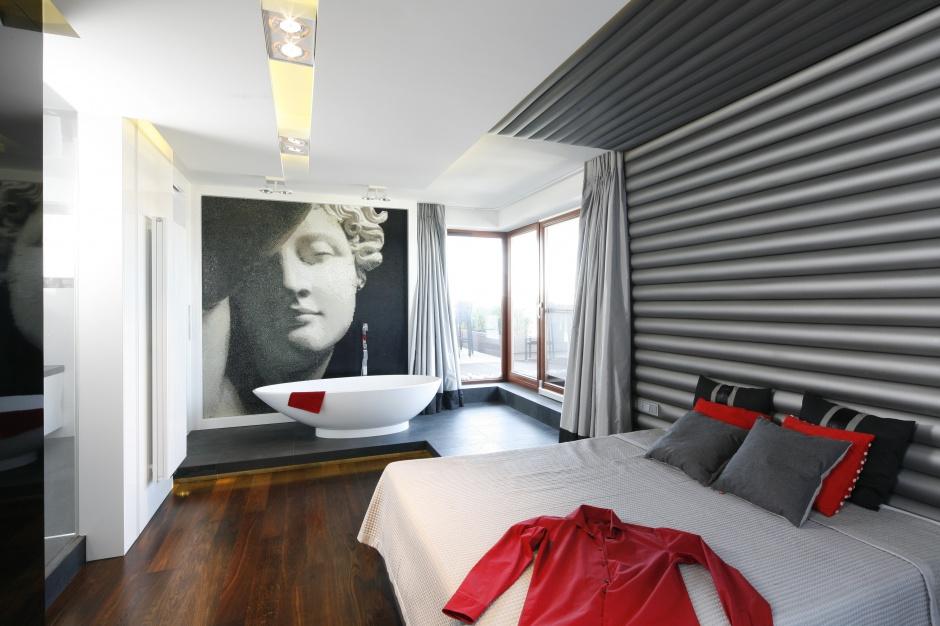 Łazienka z sypialnią: hit czy kit?