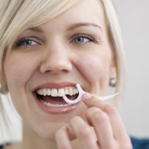Zdrowy i piękny uśmiech: zadbaj o higienę jamy ustnej