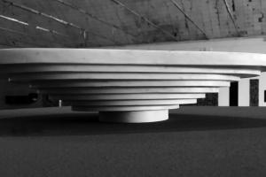 Zainspirowane naturą kształty w marmurze: zobacz designerską wannę