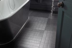 Winylowa podłoga w łazience - alternatywa dla płytek