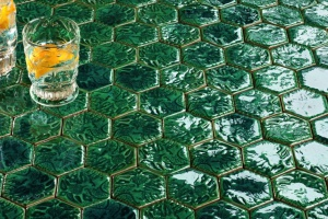 Maciej Zień projektuje kolorowe mozaiki