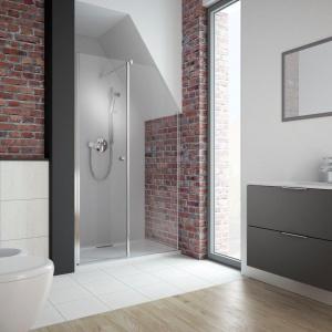 Łazienka na poddaszu: tak urządzisz strefę prysznica