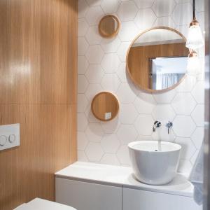 Hit roku 2016: kolory drewna w łazience