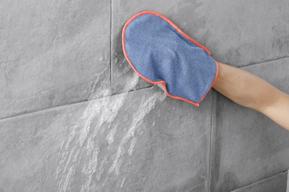 Porządki w łazience - łatwiejsze z rękawicą do czyszczenia