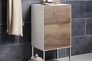 Meble łazienkowe: kolekcja w bieli i kolorach drewna