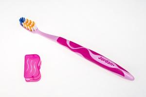 Zdrowe zęby: wybierz szczoteczkę, która przypomni o jej wymianie