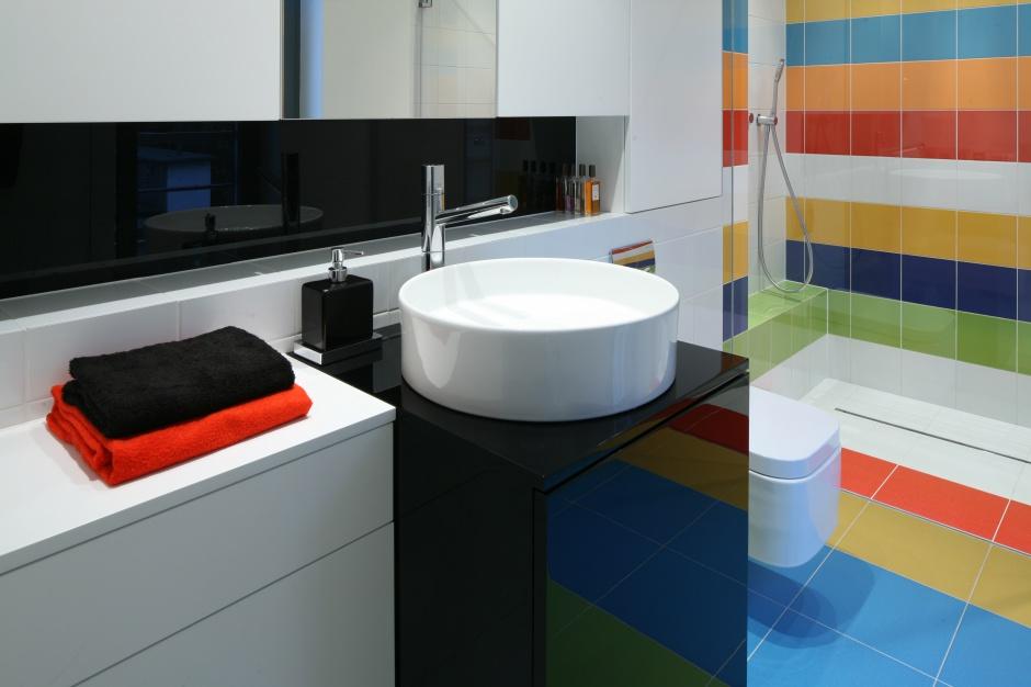 Kolorowa łazienka: 12 wnętrz z polskich domów