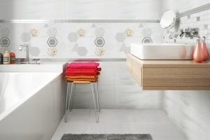 Płytki z geometrycznym motywem: 5 kolekcji do łazienek