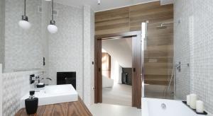 Nowoczesna łazienka na poddaszu: gotowy projekt