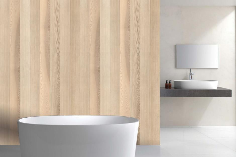 Ściana w łazience: dekoracyjne panele jak drewno
